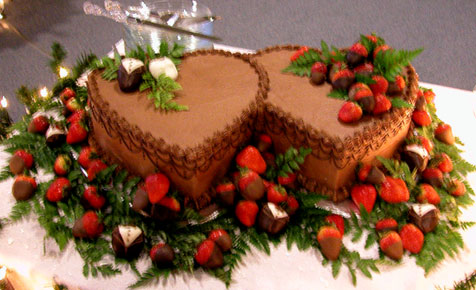 Grooms Cakes With Chocolate Dipped Strawberries Pg 2