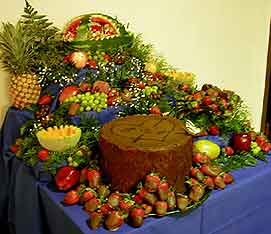 Tree stump with fruit cascade